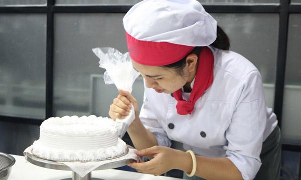 nghề làm bánh kem